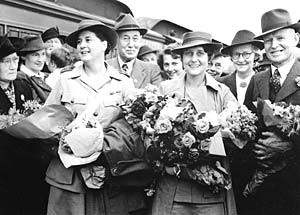 Australian Nurses Arrive Home
